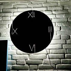 E vremea cadourilor practice. Ceasul Galileo este ideal atât pentru casă, cât și pentru birou. Celestial, Design
