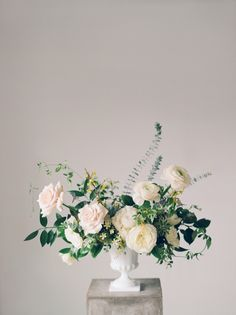 Purple Wedding Flowers, Wedding Table Flowers, Rustic Wedding Centerpieces, Wedding Flower Arrangements, Flower Centerpieces, Floral Wedding, Wedding Bouquets, Floral Arrangements, Trendy Wedding