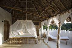 Living for sophisticated People: Safari Chic - Lamu, Kenya Villas, Lamu Kenya, Balinese Interior, Outdoor Beds, Safari Chic, Hawaii Homes, Interiors Magazine, Beautiful Space, Beautiful Things