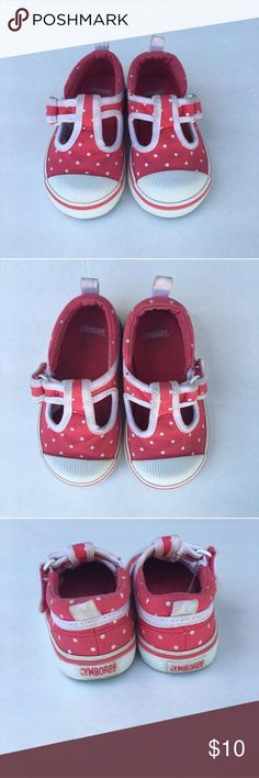 🎉 Editor's Pick! Gymboree sneakers Mary Jane style sneakers in excellent condition. Easy on easy off. Velcro buckle. They are bright pink with white polka dots. Perfect for play time Gymboree Shoes