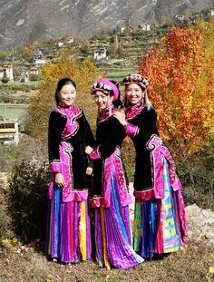 Tibetan Ladies in Danba, Danba, Chengdu