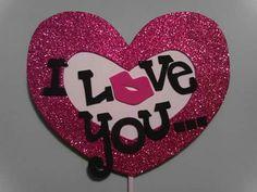 Día de los enamorados Mary Kay Ash, Heart Crafts, Love Car, Valentines Day Party, Cake Toppers, Happy Birthday, Romantic, Scrapbook, Diy