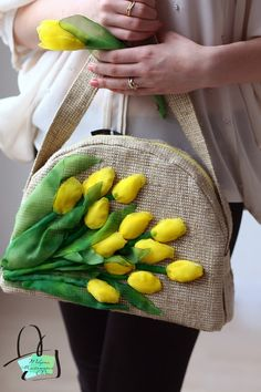Wonderful Ribbon Embroidery Flowers by Hand Ideas. Enchanting Ribbon Embroidery Flowers by Hand Ideas. Embroidery Bags, Hand Embroidery Stitches, Embroidery Fashion, Silk Ribbon Embroidery, Embroidery Designs, Ribbon Art, Jute Bags, Quilted Bag, Patchwork Bags