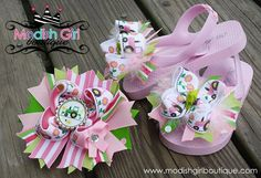 Girly Tractor Bottle Cap and Ribbon Hair Bow with matching Flip Flops http://www.facebook.com/photo.php?fbid=185042091521626=a.185045328187969.52690.109140429111793=3