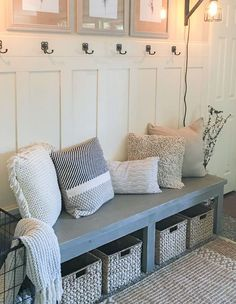 Gorgeous 75 Farmhouse Entryway Decorating Ideas https://insidecorate.com/75-farmhouse-entryway-decorating-ideas/