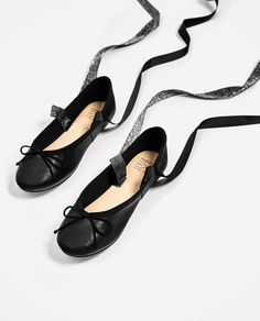 Image 7 of LEATHER BALLERINAS WITH INTERCHANGEABLE BOWS from Zara