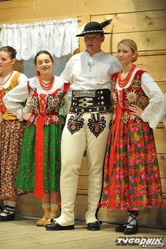 Polish Clothing, Polish Folk Art, Homeland, Traditional Outfits, Spaces, Costumes, American, Clothes, Dresses
