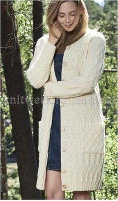 The pockets give a relaxed look to this classic cabled cardigan. Knitted from Novita Nordic Wool. Cable Cardigan, Crochet Cardigan Pattern, White Cardigan, Knitted Coat, Mohair Sweater, Long Sweaters, Cardigans For Women, Knitwear, Blazers