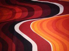 Vintage-Top-Heals-034-Frequency-034-design-by-Barbara-Brown-schrink-resisting
