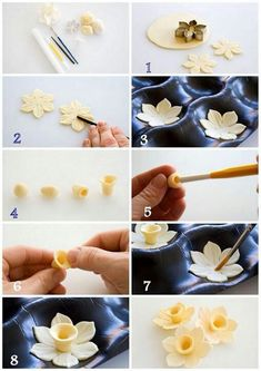 fondant This is a tutorial for my version of an easy to make gum paste daffodil. It only require 1 cutter and some few basic tools to make. I have decided not to make a frilly trumpet for my Sugar Paste Flowers, Icing Flowers, Fondant Flowers, Clay Flowers, Cake Decorating Techniques, Cake Decorating Tutorials, Cookie Decorating, Fondant Icing, Fondant Cakes