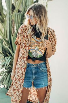 Winter layering outfits, cotton pants, outfits with hats, boho outfits, fas Outfits With Hats, Boho Outfits, Cute Hippie Outfits, Boho Summer Outfits, Outfits With Kimonos, Layered Summer Outfits, Outfits For Spring, Casual Outfits, Boho Fashion Summer