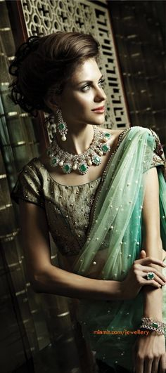 diamond-and-emerald-jewellery-earrings