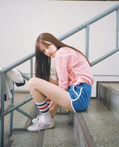pink long-sleeve 22,000 won