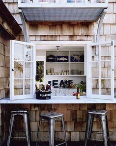 Coastal-Home-Outdoor-Bar-Inspiration
