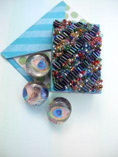 Now for sale on URCrafti.com See Miniature Beaded Gift Box Set with Peacock Feather Magnets, matching card and envelope Here https://urcrafti.com/product/miniature-beaded-gift-box-set-with-peacock-feather-magnets-matching-card-and-envelope/ %HTAgs%