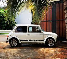 Tropical Sunday morning Owner - My old classic car collection Mini Cooper Classic, Mini Cooper S, Classic Mini, Mercedes G Wagon, Mercedes Amg, Chevy Impala, Rolls Royce, Poste Radio, Austin Mini