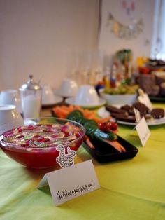 Mit dem Grüffelo Geburtstag feiern Kindergeburtstag Kids And Parenting, Kindergarten, Activities, Table Decorations, Projects, Blog, 2nd Birthday, Cake Birthday, Log Projects