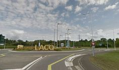 Rond point a Lacq (64)