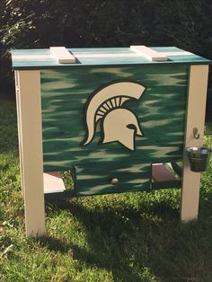 Michigan State wooden cooler Wooden Cooler, Diy Cooler, Big Project, Building Ideas, Coolers, Pallet Furniture, Picnic Table, Toy Chest, Michigan