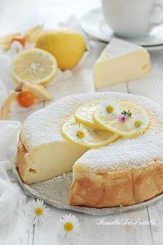 Moelleux al limone, ricetta senza farina, burro o lievito Torta Chiffon, Bakery Recipes, Cooking Recipes, Mexican Dessert Recipes, Cake & Co, Great Desserts, Cakes And More, Quick Easy Meals, Sweet Recipes