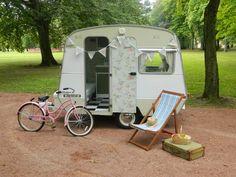 vintage caravan - apple