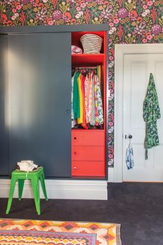 The painted interior of the closet is such a nice surprise. #popofcolor   HomeStyle magazine on @ohjoy