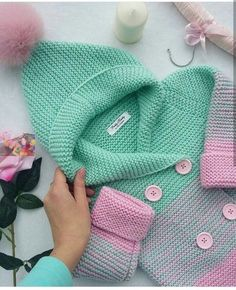 Trendy Ideas For Knitting Baby Cardigan Pattern Sweets Knitting For Kids, Baby Knitting Patterns, Crochet For Kids, Baby Patterns, Knitting Toys, Knitting Ideas, Crochet Patterns, Crochet Baby Cardigan, Crochet Jacket