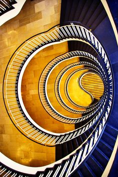 Step by Step by Romina Kutlesa on Really cool staircase! Stairs Architecture, Amazing Architecture, Architecture Details, Interior Architecture, Grand Staircase, Staircase Design, Winding Stair, Beautiful Stairs, Stair Nosing