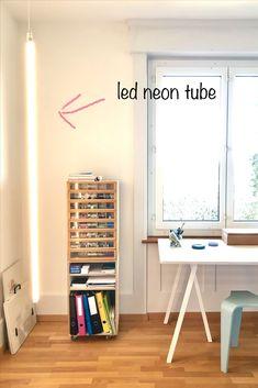 Neonröhre LED von Hay in pink, blau, rot, gelborange und warmweiss Led, Orange, Tube, Pink, Light Fixtures, Pink Hair, Roses