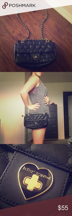 😍Betsy Johnson black and gold bag!😍 Excellent condition! Don't miss out. Betsey Johnson Bags