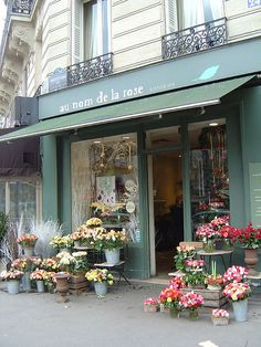 Au Nom de la Rose Paris flower shop  aunomdelarose.fr THEY DELIVER!