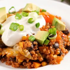 Black Bean and Quinoa Enchilada Bake is a healthy and delicious meal that will become a staple at your house! Healthy Dishes, Easy Healthy Recipes, Veggie Recipes, Vegetarian Recipes, Healthy Eating, Healthy Food, Quinoa Enchilada Casserole, Vegan Enchiladas, Quinoa Pasta