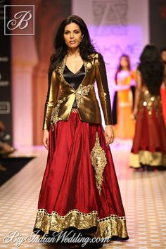 indo western dresses for women - Bing images Lakme Fashion Week, India Fashion, Ethnic Fashion, Women's Fashion, Indian Attire, Indian Wear, Indian Style, Indian Dresses, Indian Outfits