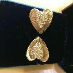 """Signed CORO Earrings Heart Shape w Pave Clear Rhinestones Clip-on 3/4"""" Estate #Coro #Clusterclip Heart Shapes, Retro Vintage, Brooch, Detail, Earrings, Ebay, Jewelry, Greek Chorus, Ear Rings"""