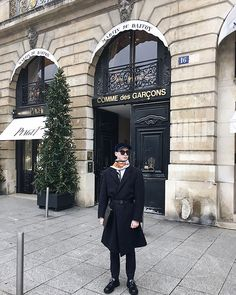 #vscocam #vsco #paris #ritz #placevendome #menstyle #menfashion #menswear #car #cap #commedesgarcons Rudy Outreville