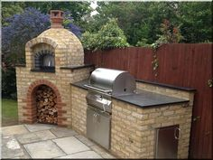 Best Backyard Bbq Ideas Layout Pizza Ovens Ideas - Outdoor Kitchen Bars about you searching for. Outdoor Bbq Kitchen, Outdoor Cooking Area, Pizza Oven Outdoor, Outdoor Kitchen Design, Outdoor Kitchens, Brick Oven Outdoor, Design Barbecue, Brick Bbq, Four A Pizza