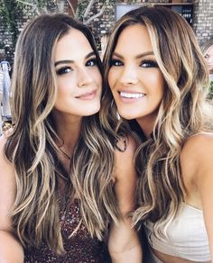 fascinating balayage highlights for long hair 2020 3 Grey Balayage, Balayage Hair, Dark Roots Blonde Hair Balayage, Babylights Blonde, Fall Balayage, Pretty Hairstyles, Wig Hairstyles, Hair Color And Cut, Pinterest Hair