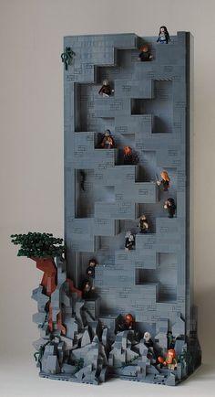The not-so-hidden hidden stairs to Erebor http://www.brothers-brick.com/2016/03/12/the-not-so-hidden-hidden-stairs-to-erebor/