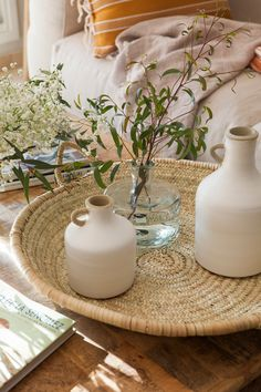 Fresco, Cozy Room, Deco Table, Tablescapes, Table Decorations, Interior, Living Rooms, Bouquets, Nature