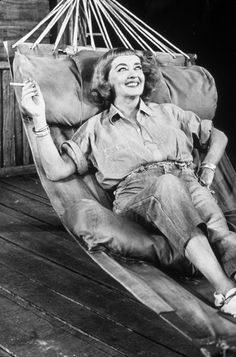 """Bette Davis in Tennessee Williams' """"Night of the Iguana"""" on Broadway"""