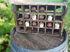 Vintage Cupcake Holder  www.alltheragedecor.com