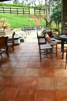 Result of image for floors of country house Spanish House, Spanish Colonial, Spanish Style, Exterior Colonial, Exterior Tiles, Terrace Floor, Terracotta Floor, Hacienda Style, Best Flooring