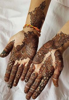 Mehndi henna designs are searchable by Pakistani women and girls. Women, girls and also kids apply henna on their hands, feet and also on neck to look more gorgeous and traditional. Indian Mehndi Designs, Stylish Mehndi Designs, Mehndi Designs For Girls, Wedding Mehndi Designs, Latest Mehndi Designs, Beautiful Henna Designs, Mehandi Designs Arabic, Mehndi Designs Front Hand, 42 Tattoo