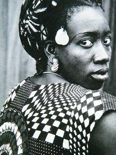 Her eyes, Bamako, Mali, 1950s by Seydou Keita