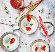 Velouté de haricots coco au miel, Tartare Ail Sauvage et chips de chorizo par  Cyril Haberland #recette #recipe #soupe #soup