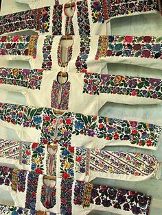Continuing the theme of embroidery . Look at the beautiful Ukrainian embroidery. Polish Embroidery, Folk Embroidery, Shirt Embroidery, Embroidery Fashion, Embroidered Blouse, Cross Stitch Embroidery, Embroidery Patterns, Traditional Fashion, Traditional Outfits