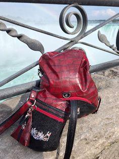 Sacs Be-Bop et Limbo rouges de Dominique, aux Chûtes du Niagara - Patrons Sacotin