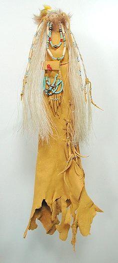 Native American Cynthia Whitehawk Apache hand made Grandmother Shaman Spirit Doll Native American Dolls, Native American Crafts, Native American Indians, American Symbols, Native Americans, Native Indian, Native Art, Indian Art, Indian Dolls