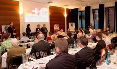Las ventas de vino embotellado con DO La Mancha crecieron un 5% en 2012 http://www.vinetur.com/2013031811848/las-ventas-de-vino-embotellado-con-do-la-mancha-crecieron-un-5-en-2012.html