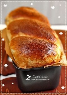 Walnut-Filled Sweet Bread / Cozonac cu nuca - Recipe with pics. in Romanian and English (just scroll down the recipe) Romanian Desserts, Romanian Food, Romanian Recipes, Sweets Recipes, Baking Recipes, Cake Recipes, Good Food, Yummy Food, Bread And Pastries